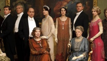 images_620x220_D_DowntonAbbey_2013 christmas cast