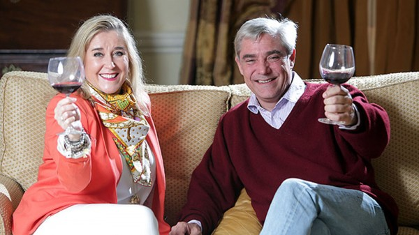 http://www.cultbox.co.uk/wp-content/uploads/2014/11/Gogglebox-600x337.jpg