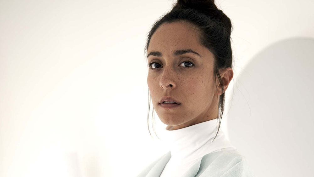 black mirror oona chaplin - Actresses In White Christmas