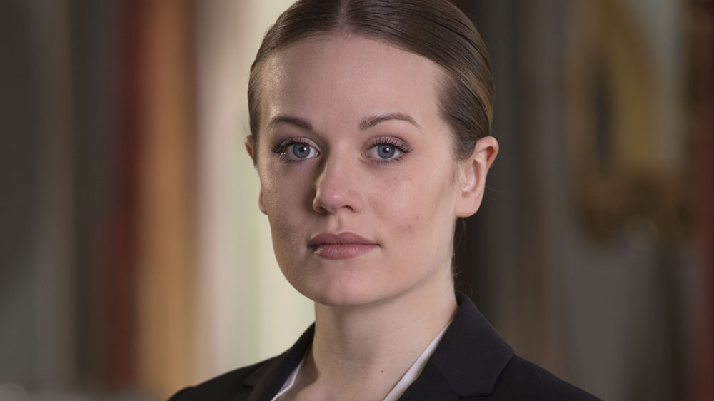 The Syndicate S3 Sarah Travers (CARA THEOBOLD)