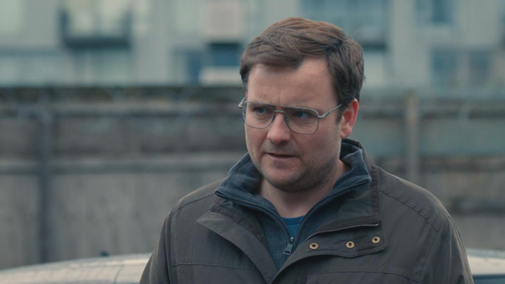 Humans 4 DS Peter Drummond (Neil Maskell)