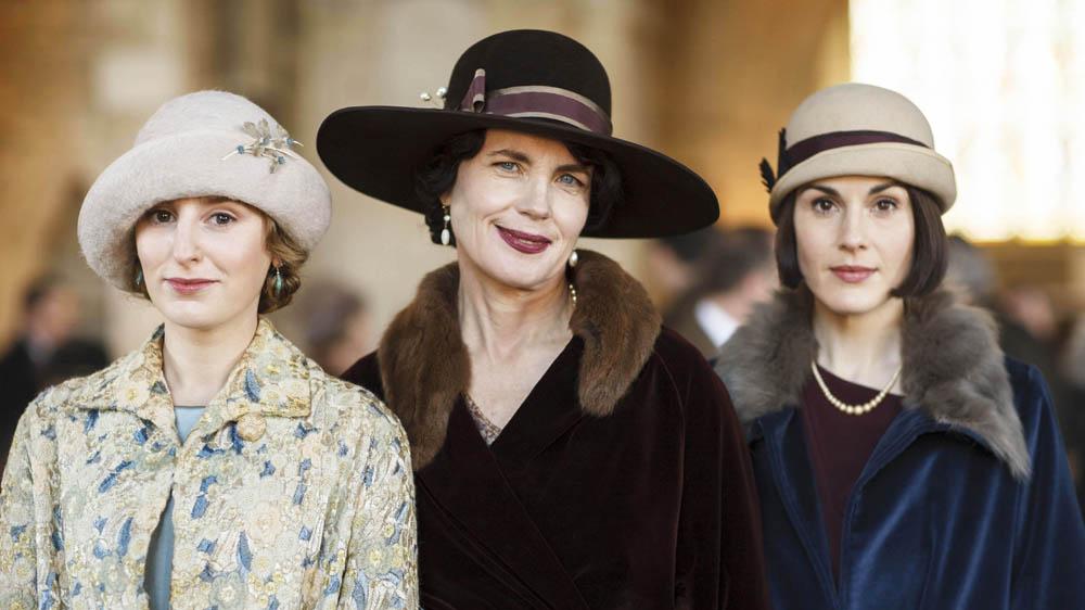 Downton Abbey 6 LAURA CARMICHAEL as Lady Edith Crawley, ELIZABETH MCGOVERN as Cora, Countess of Grantham and MICHELLE DOCKERY as Lady Mary Crawley