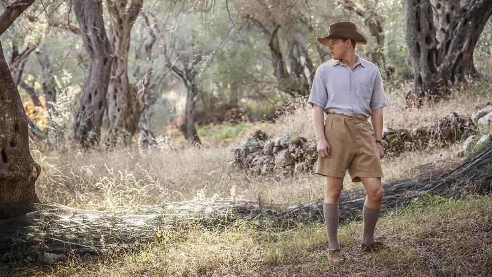 THE DURRELLS 1 1 CALLUM WOODHO-- USE as Leslie