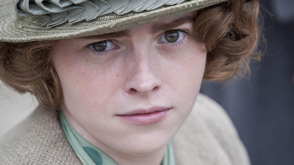 THE DURRELLS 1 1 DAISY WATERSTONE as Margo