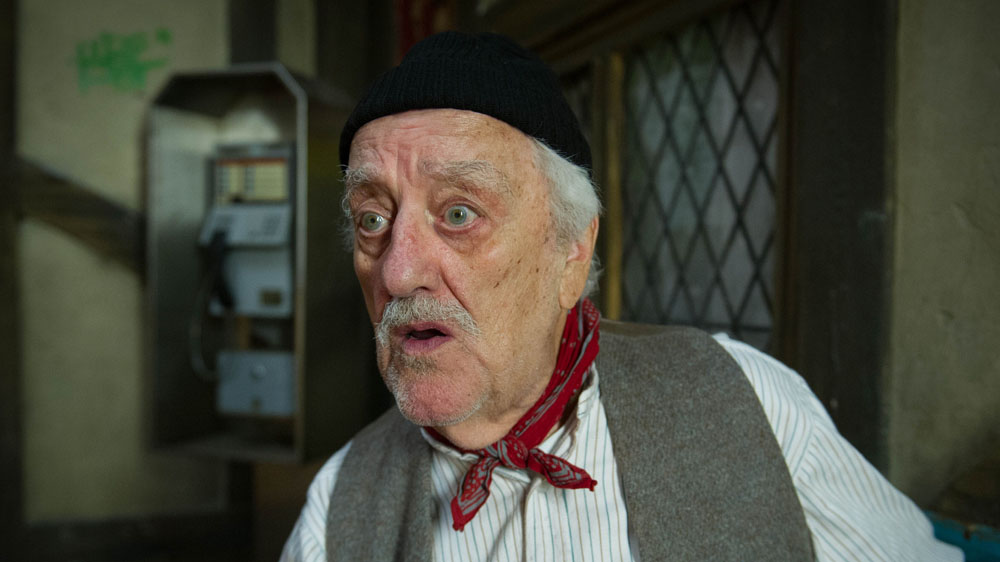 A Midsummer Night's Dream Snout (BERNARD CRIBBINS) -