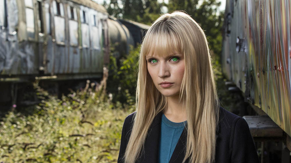 HUMANS 2 Niska (Emily Berrington)