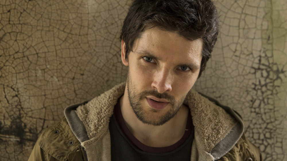 Humans 2 Leo (Colin Morgan)