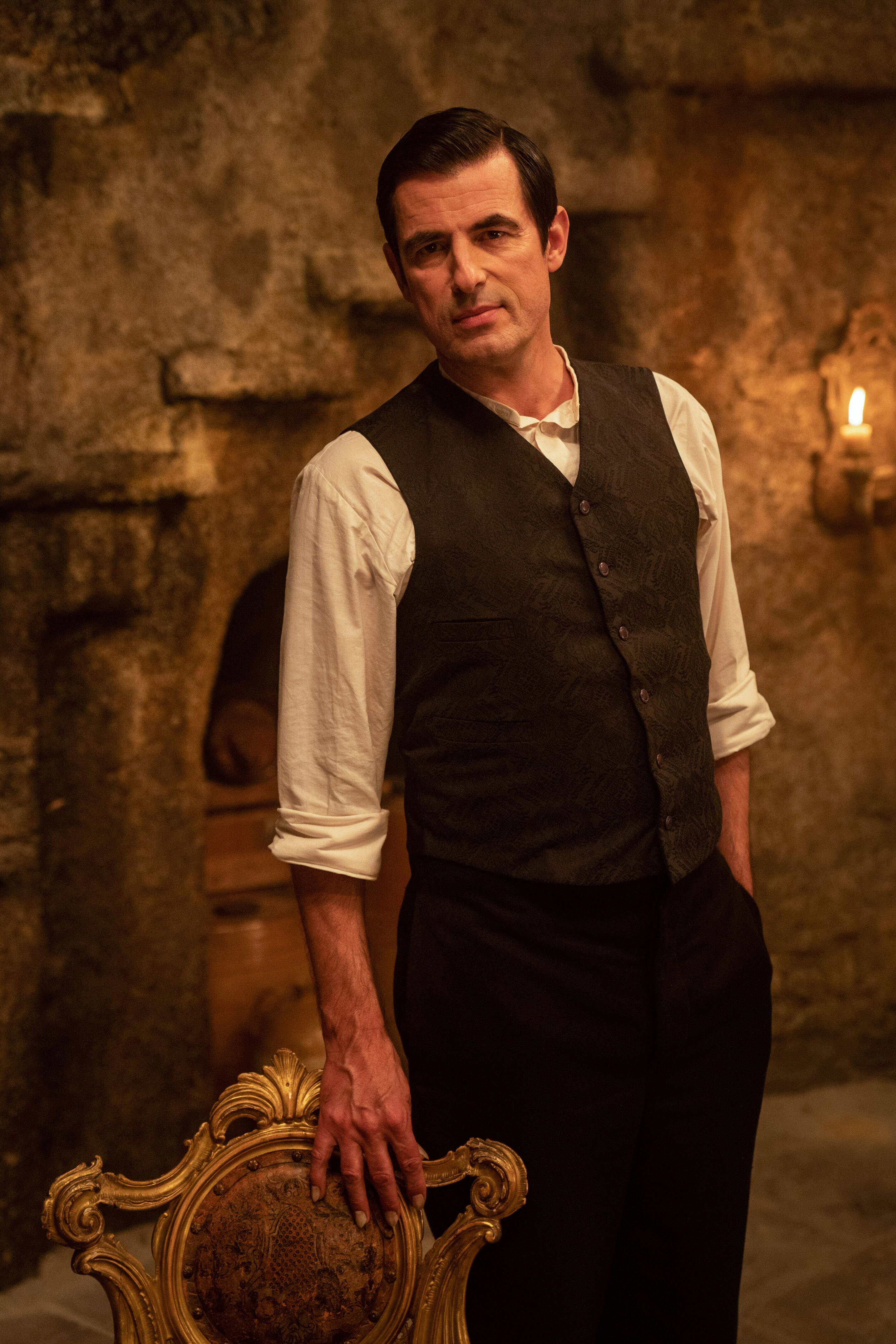 Dracula: first images, new casting information